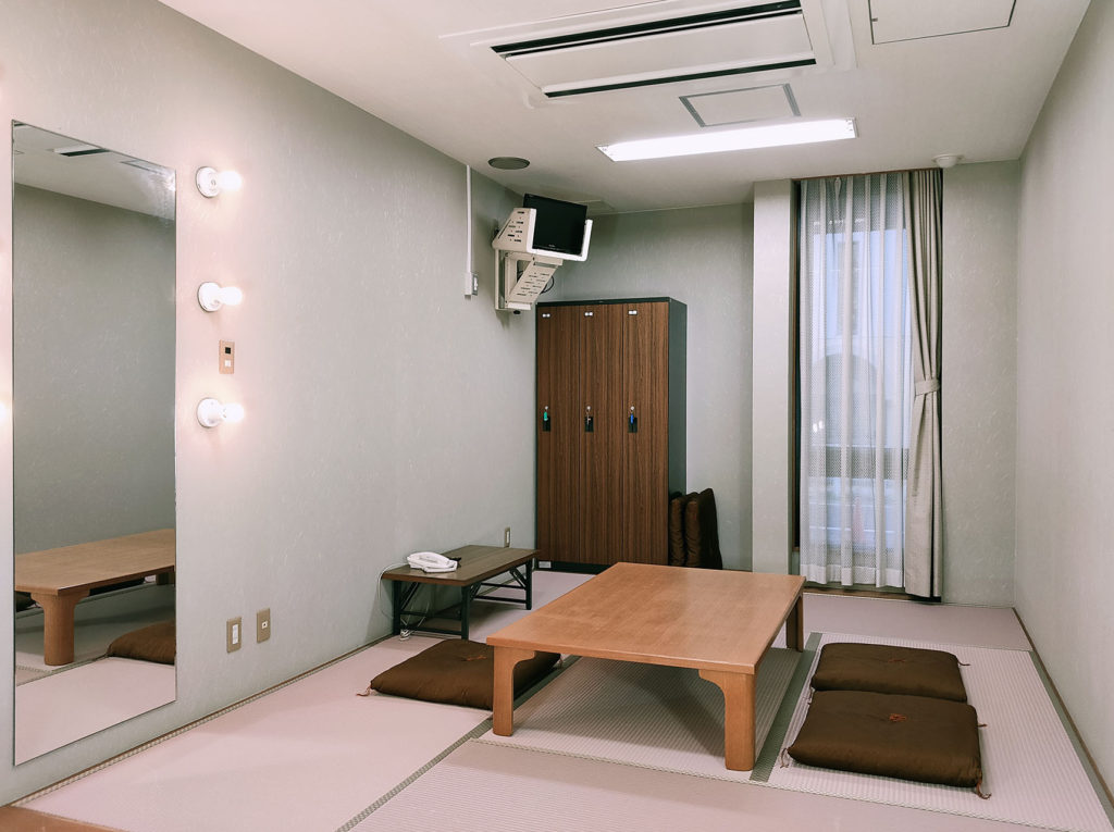 草津アミカホール 楽屋2