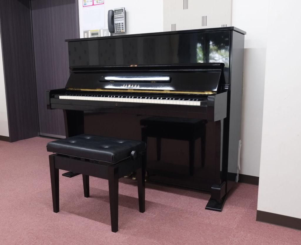 クレアホール 練習室1 アップライトピアノ